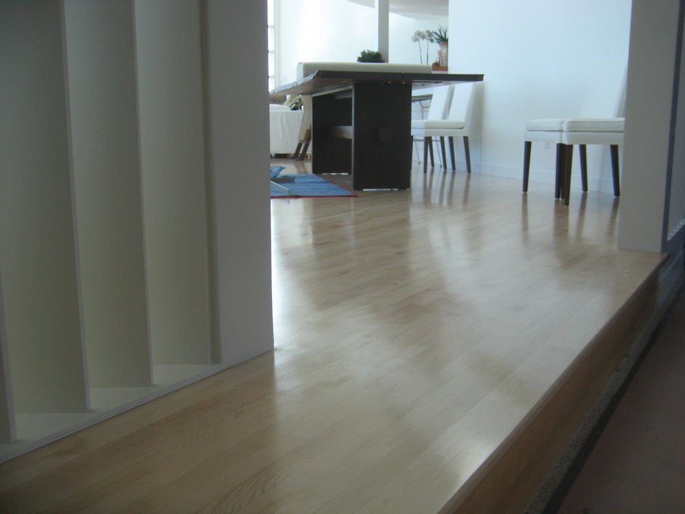 Hardwood-floor-sand-refinish-in-experts-in-LA