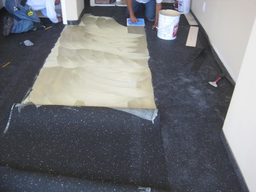 Hardwood-floor-with-sound-in-experts